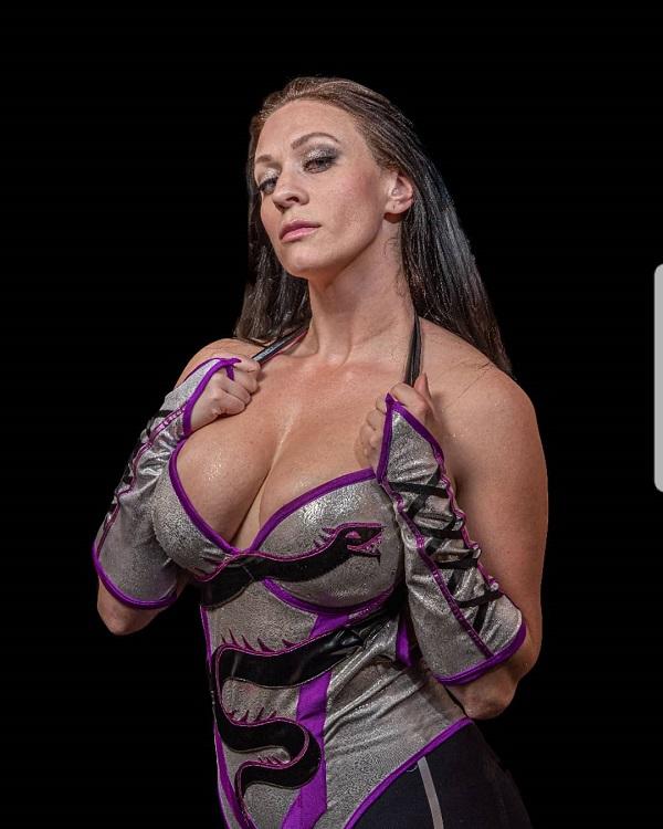 Alexa Bliss | Alexa, Wwe female wrestlers, Raw womens